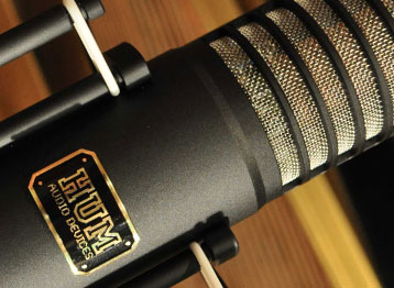 Recommended load impedance: 150 Ohm or greater