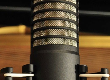 Output impedance:<br /> 22 Ohm<br /> (electronic)